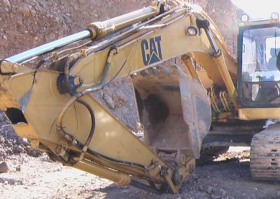 UGLY! knuckle ripped off track hoe, Davis County, Utah, heavy equipment welding