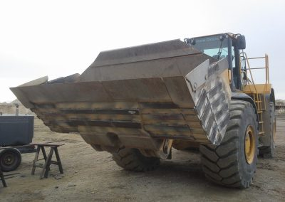 welding wear striping loader bucket with AR plate, Davis, Utah